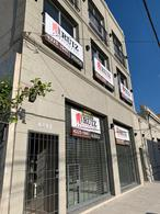 Foto Local en Alquiler en  Remedios De Escalada,  Lanus  Cavour al 4400