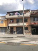 Foto Casa en Venta en  Centro de Cuenca,  Cuenca  Calle Lamar y Octavio Cordero
