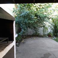 Foto Casa en Alquiler en  La Plata ,  G.B.A. Zona Sur  al 400