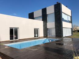 Foto Casa en Venta en  San Eliseo Golf & Country,  Countries/B.Cerrado (San Vicente)  Venta con Renta- Casa en San Eliseo - Canning