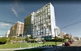 Foto Departamento en Alquiler en  Playa Grande,  Mar Del Plata  CASTELLI 24 • FRENTE AL MAR