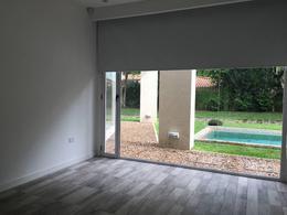 Foto thumbnail Casa en Venta en  Barrio Parque Leloir,  Ituzaingo  La Espuela N°2800