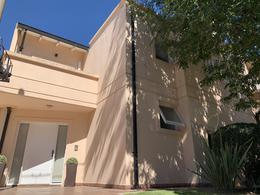 Foto Casa en Venta en  Tejas del Sur,  Cordoba Capital  DÚPLEX EN VENTA EN TEJAS DEL SUR 3 DORMITORIOS. PILETA
