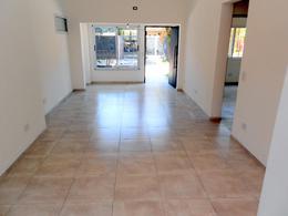 Foto Casa en Venta en  La Lucila-Vias/Maipu,  La Lucila  Mariano Moreno  al 800