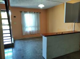Foto Casa en Alquiler en  Carmelo ,  Colonia  Av. Artigas entre Rivera y Paseo de los Argentinos