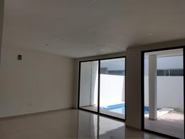 Foto Casa en Venta en  Aqua,  Cancún   Casa en Venta en Cancún,  Residencial Aqua Fase I de 3 Recámaras con Alberca.