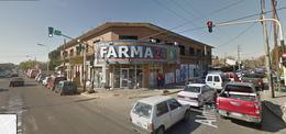 Foto Local en Venta en  Monte Grande,  Esteban Echeverria          Importante esquina en Santamarina al 700