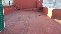 Foto Casa en Venta en  Mataderos ,  Capital Federal  Pilar al 1800, casa 4 ambs, lote propio con terraza.