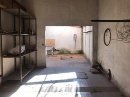 Foto Local en Venta en  Lomas de Zamora Oeste,  Lomas De Zamora  Olazabal 899