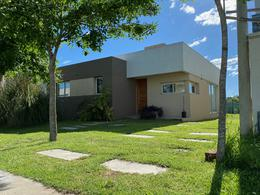 Foto Casa en Venta en  City Bell,  La Plata  Barrio El Cauce City Bell