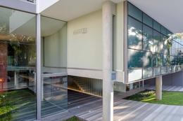 Foto Oficina en Alquiler | Venta en  Golf ,  Montevideo  Oficina de dos plantas a estrenar, garaje para dos autos