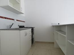 Foto Departamento en Venta en  Castelar,  Moron  Navarro al 2000