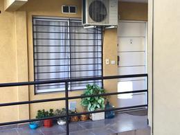 Foto Departamento en Alquiler en  Moron Sur,  Moron  Parana al 500