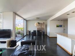 Departamento venta 3 dormitorios piso exclusivo cochera piscina quincho - Pichincha zona RIO