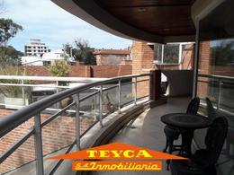 Foto Departamento en Alquiler temporario en  Centro,  Pinamar  AV. BUNGE 520  1°piso