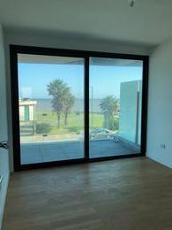 Foto Departamento en Venta en  Puerto Buceo ,  Montevideo  FORUM- 1 dormitorio con vista al mar, garaje y box
