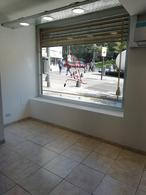 Foto Local en Alquiler en  Plaza S.Martin,  Barrio Norte  Av. San Martin al 1100