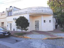 Foto Casa en Venta en  Flores ,  Capital Federal  Morón al 2300