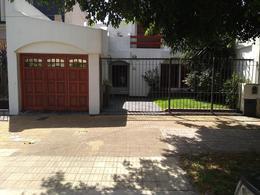 Foto Casa en Venta en  Lomas De Zamora ,  G.B.A. Zona Sur  Arenales al 300