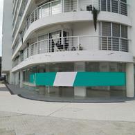 Foto Local en Alquiler en  Malvín ,  Montevideo  Blixen, Samuel 4400