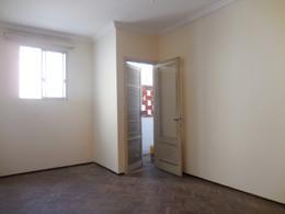 Foto Apartamento en Venta en  Aguada ,  Montevideo  Yi al 1800