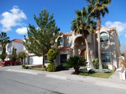 Foto Casa en Venta en  Residencial Country Club San Francisco,  Chihuahua  CASA EN VENTA CON DEPA INDEPENDIENTE, CLUB SAN FRANCISCO RESIDENCIAL.