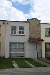 Foto Casa en Venta en  San Nicolás Tolentino,  Toluca  Fraccionamiento Hacienda Del Valle II