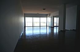 Foto Apartamento en Alquiler en  Pocitos ,  Montevideo  Rambla República del Perú al 1300