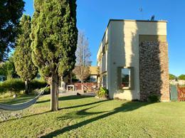 Foto Casa en Venta en  Fincas de Duggan,  Countries/B.Cerrado (La Plata)  Av. 137 y 90 Barrio Fincas de Duggan