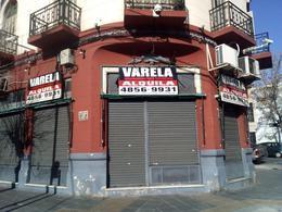 Foto Local en Alquiler en  Caballito ,  Capital Federal  Avda. Angel Gallardo e Hidalgo