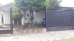 Foto Casa en Venta en  Remedios De Escalada,  Lanus  HIPOLITO YRIGOYEN 5546