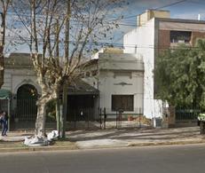 Foto Terreno en Venta en  Lomas de Zamora Este,  Lomas De Zamora  Avenida Almirante Brown al 2200