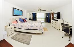 Foto Casa en Venta en  Punta Sam,  Cancún  CASA FRENTE AL MAR CON MUELLE PROPIO EN VENTA EN CANCUN C2805