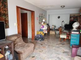 Foto PH en Venta en  Constitución ,  Capital Federal  PEDRO ECHAGUE al 1500