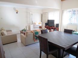 Foto Casa en Venta en  S.Isi.-Barrio Carreras,  San Isidro  Laprida al 100
