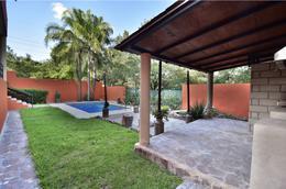 Foto Casa en Venta en  Rincón de Sierra Alta,  Monterrey  Casa en Venta con alberca en Residencial Sierra Alta - Zona Sur (AMA)
