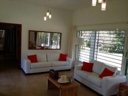 Foto Casa en Venta en  Playa Mansa,  Punta del Este  Hermosa Casa a Estrenar con muy Agradable Entorno a Metros del Mar