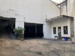 Foto Local en Alquiler en  Centro (Capital Federal) ,  Capital Federal  Hipolito Yrigoyen al 1400