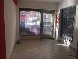 Foto Local en Alquiler en  Lomas de Zamora Oeste,  Lomas De Zamora  Saenz al 172