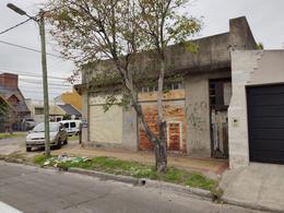 Foto Local en Venta en  Banfield,  Lomas De Zamora  CAPELLO 1150