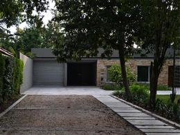 Foto thumbnail Casa en Venta en  Hurlingham,  Hurlingham  El Rancho al 800