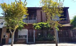 Foto thumbnail Casa en Venta en  B.Ayerza,  Castelar  Rojas al 400