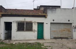 Foto thumbnail Casa en Venta en  Caseros,  Tres De Febrero  Wenceslao Paunero 3756.  Caseros