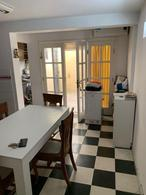 Foto Casa en Venta en  Tolosa,  La Plata  529 Entre 16 y 17