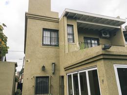 Foto Casa en Venta en  V.Ade.-P.Cisneros,  Villa Adelina  Cosme Argerich al 1900