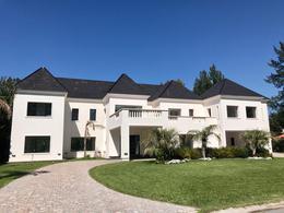 Foto Casa en Venta en  Saint Thomas,  Countries/B.Cerrado (E. Echeverría)  Saint Thomas Sur