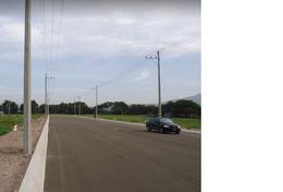 Foto Bodega de Guardado en Renta en  León ,  Guanajuato  Nave Industrial en Renta en el Cluster Industrial PANAN. Cuenta con 2305.54m2 de terreno y bodega de 1880m2 NO tiene Anden cuenta con 6 lugares para estacionamiento