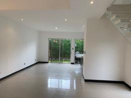 Foto Casa en condominio en Renta en  Santa Ana ,  San José  Casa en Santa Ana contemporanea con jardín