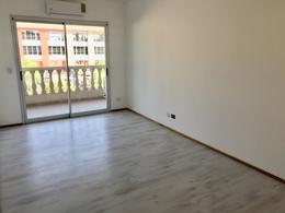 Foto Departamento en Alquiler en  Pueblo Caamaño,  Pilar  Caamaño al 600 Pueblo Caamaño 1er piso frente