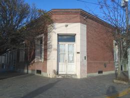 Foto Oficina en Alquiler en  Trelew ,  Chubut  28 de Julio esq. Pecoraro